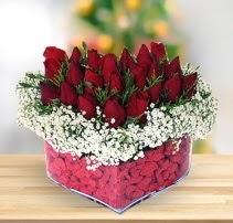 15 kırmızı gülden kalp mika çiçeği  Bursa güvenli kaliteli hızlı çiçek