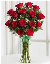 Cam vazo içerisinde 11 kırmızı gül vazosu  Bursa internetten çiçek satışı