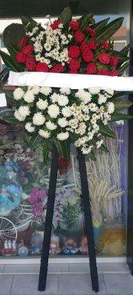 Cenaze çiçeği cenaze çiçek modelleri  Bursa çiçek gönderme sitemiz güvenlidir