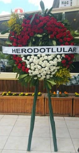 Cenaze çelengi cenazeye çiçek modeli  Bursa güvenli kaliteli hızlı çiçek