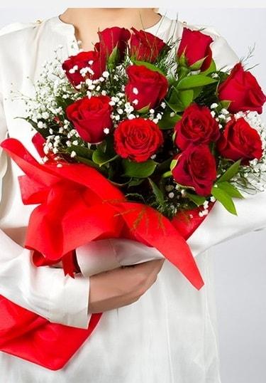 Aşk Gülleri 11 Adet kırmızı gül buketi  Bursa kaliteli taze ve ucuz çiçekler
