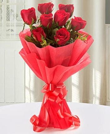 9 adet kırmızı gülden modern buket  Bursa hediye sevgilime hediye çiçek