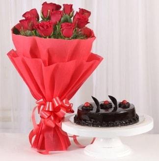 10 Adet kırmızı gül ve 4 kişilik yaş pasta  Bursa çiçek yolla