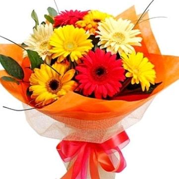 9 adet karışık gerbera buketi  Bursa yurtiçi ve yurtdışı çiçek siparişi